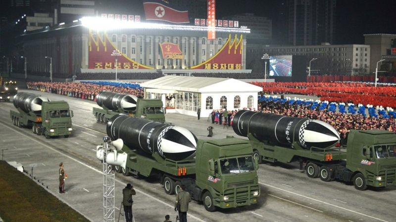 Шимолий Корея янги ракеталарини