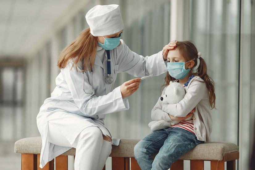 Оила аъзосида коронавирус аниқланса ва болалар ҳам тест топшириши керакми?