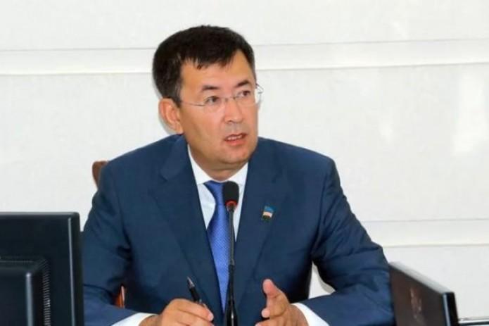 Samarqand viloyati hokimi deputatlarga 50 million so'mdan pul berishni taklif qildi