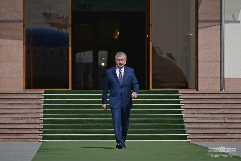 Shavkat Mirziyoyev Tojikistonga jo'nab ketdi