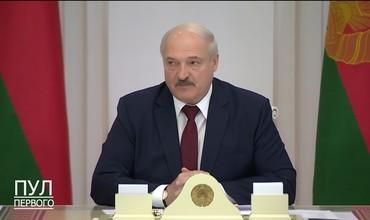 Lukashenko namoyishda qatnashgan talabalarni o'qishdan haydashni talab qildi