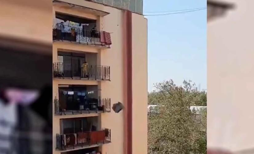 Toshkentda eski kreslolarni pod'yezd orqali chiqarishga eringan ayol uni 9-qavat balkonidan uloqtirdi
