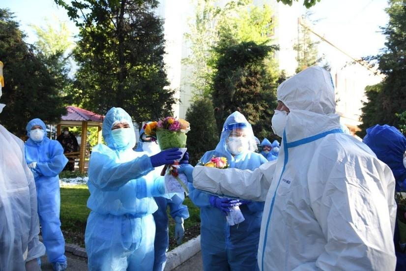 Коронавирус ҳафта ичида: дунё ва Ўзбекистон