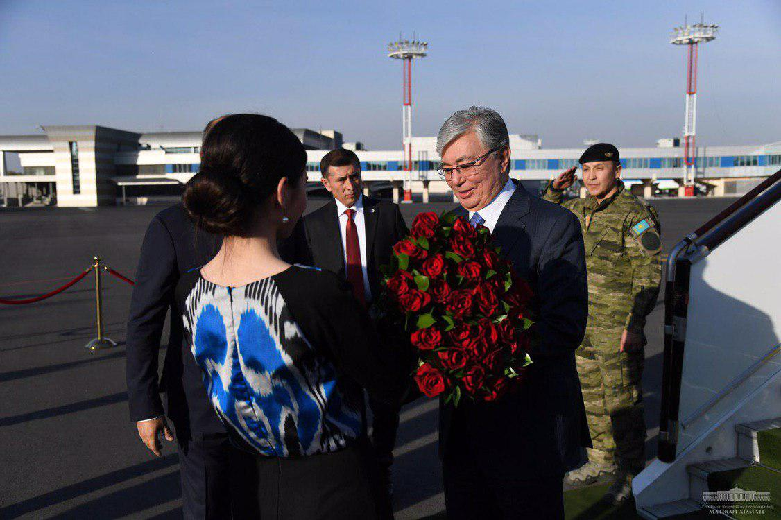 Қозоғистон президенти давлат ташрифи билан Ўзбекистонга келди